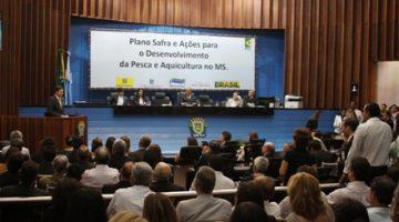 Ministro recebe Licença Ambiental do Parque Aquícola de Ilha Solteira, no Mato Grosso do Sul