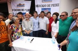 Ministro Helder Barbalho assina convênio para modernização do Mercado de Peixe de Vigia