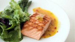 Peixes e frutos do mar protegem o cérebro do Alzheimer