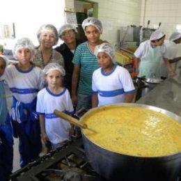 MPA trabalha para inclusão do pescado na alimentação escolar